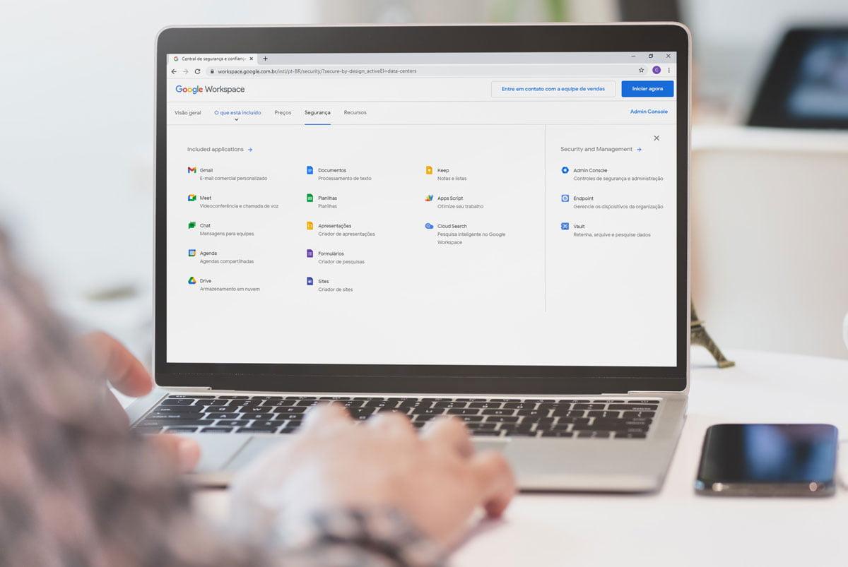 Pessoa usando Google Workspace